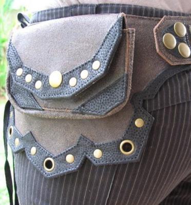 Victorian Era Belt Bag - Brown : Delicious Boutique